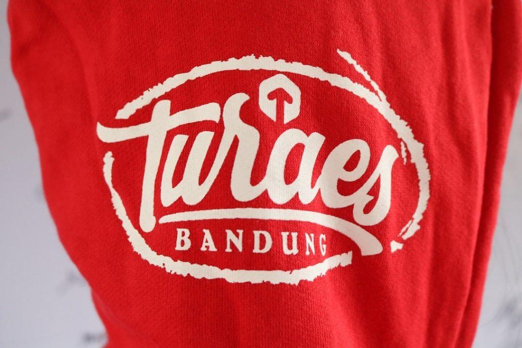 Turaes Clothes